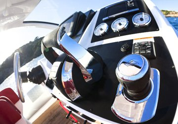 Digital Throttle & Shift (DTS). The ultimate in smooth, responsive control.